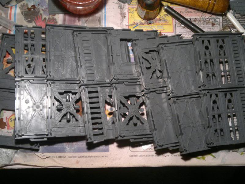 Necromunda Scenery(Now project making old scenery out of